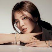 Song Hye Kyo giữ da căng mịn bằng mặt nạ tự chế
