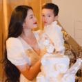 Phạm Hương lần đầu xuất hiện sau sinh con thứ hai