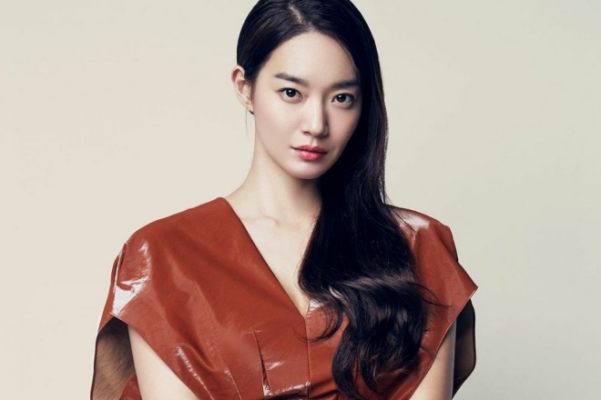 Shin Min Ah tiết lộ mẹo rửa mặt giúp trẻ hóa da